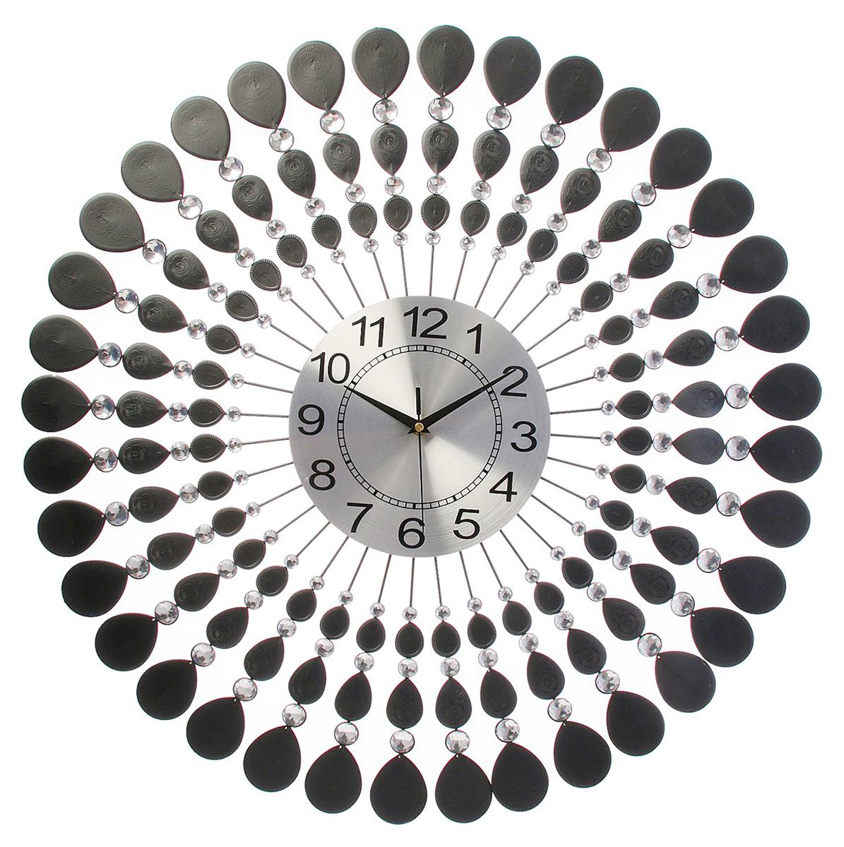 Часы настенные Ажур. Стиль, диаметр 70 см1107579Каждому хозяину периодически приходит мысль обновить свою квартиру, сделать ремонт, перестановку или кардинально поменять внешний вид каждой комнаты. Часы настенные интерьерные Серия Ажур. Стиль, d=70 см — привлекательная деталь, которая поможет воплотить вашу интерьерную идею, создать неповторимую атмосферу в вашем доме. Окружите себя приятными мелочами, пусть они радуют глаз и дарят гармонию.Часы настенные серии Ажур рамка с ковкой и стразами Стиль d=70 см 1107579
