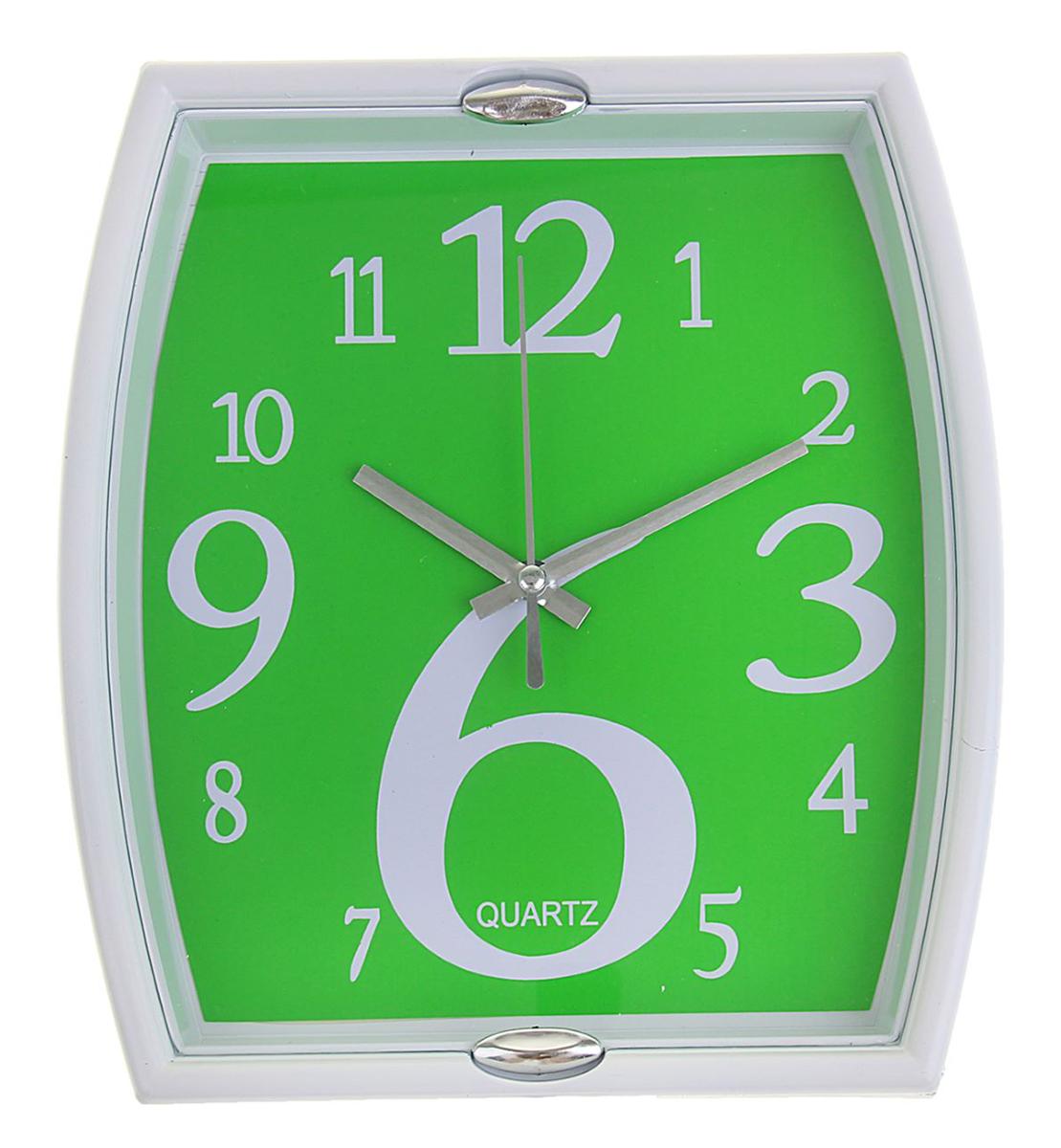 Часы настенные с 2 держателями, цвет: белый, зеленый, 21 х 23 см1195111Каждому хозяину периодически приходит мысль обновить свою квартиру, сделать ремонт, перестановку или кардинально поменять внешний вид каждой комнаты. Часы настенные Прямоугольник фигурный, рама белая, 2 держателя, циферблат зеленый — привлекательная деталь, которая поможет воплотить вашу интерьерную идею, создать неповторимую атмосферу в вашем доме. Окружите себя приятными мелочами, пусть они радуют глаз и дарят гармонию.Часы настенные прямоугольник фигурный, рама белая с 2 держ овал, циферблат зеленый 21х23см 1195111