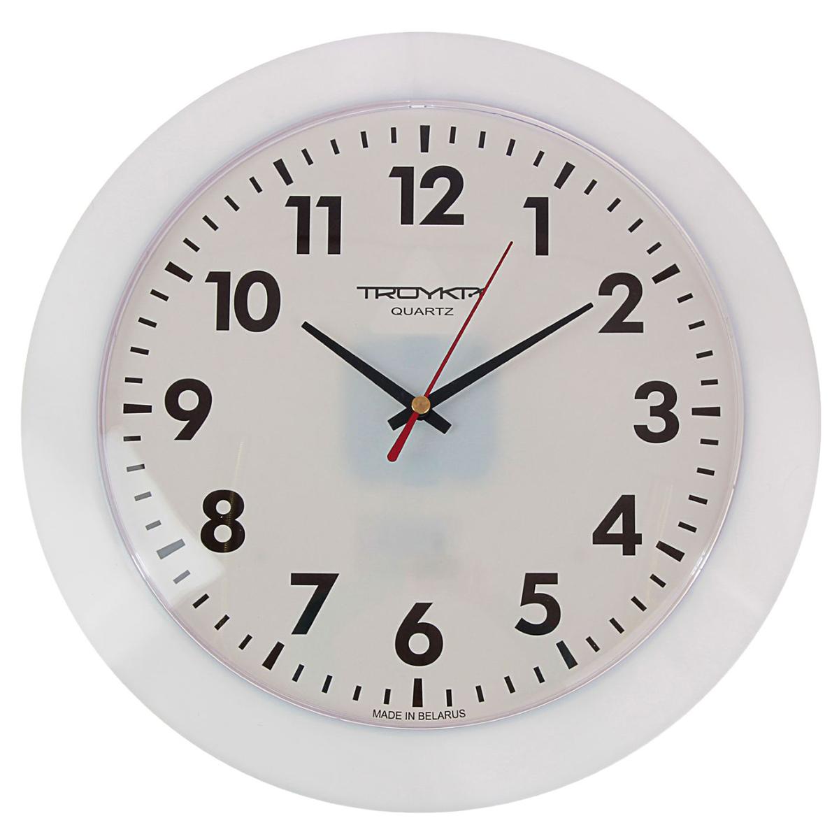 """Часы настенные круглые """"Ритм времени"""", d=30,5 см, белые — сувенир в полном смысле этого слова. И главная его задача — хранить воспоминание о месте, где вы побывали, или о том человеке, который подарил данный предмет. Преподнесите эту вещь своему другу, и она станет достойным украшением его дома. Каждому хозяину периодически приходит мысль обновить свою квартиру, сделать ремонт, перестановку или кардинально поменять внешний вид каждой комнаты. Часы настенные круглые """"Ритм времени"""", d=30,5 см, белые — привлекательная деталь, которая поможет воплотить вашу интерьерную идею, создать неповторимую атмосферу в вашем доме. Окружите себя приятными мелочами, пусть они радуют глаз и дарят гармонию.Часы настенные круглые """"Классика"""", пластик кольцо, 30,5 см 1229872"""
