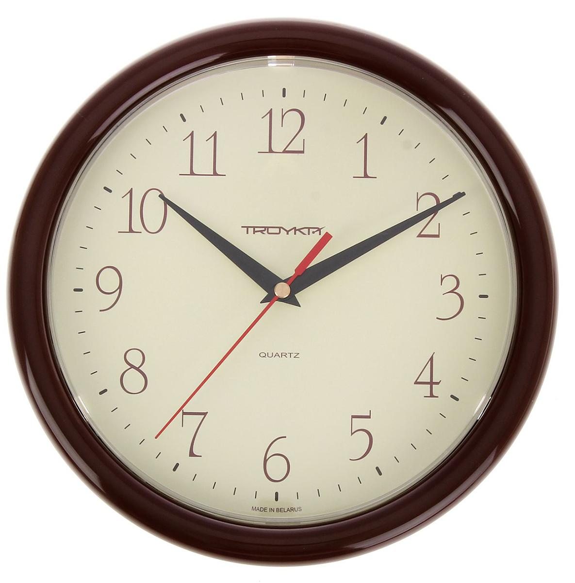Часы настенные Тройка Классика, диаметр 24,5 см1256216Каждому хозяину периодически приходит мысль обновить свою квартиру, сделать ремонт, перестановку или кардинально поменять внешний вид каждой комнаты. Часы настенные круглые Every Day, d=24,5 см, кремовый циферблат, рама коричневая — привлекательная деталь, которая поможет воплотить вашу интерьерную идею, создать неповторимую атмосферу в вашем доме. Окружите себя приятными мелочами, пусть они радуют глаз и дарят гармонию. Часы настенные круглые Every Day, d=24,5 см, кремовый циферблат, рама коричневая — сувенир в полном смысле этого слова. И главная его задача — хранить воспоминание о месте, где вы побывали, или о том человеке, который подарил данный предмет. Преподнесите эту вещь своему другу, и она станет достойным украшением его дома.Часы настенные круглые Классика, корич кольцо, мол-кофейный циферблат, 24,5 см 1256216