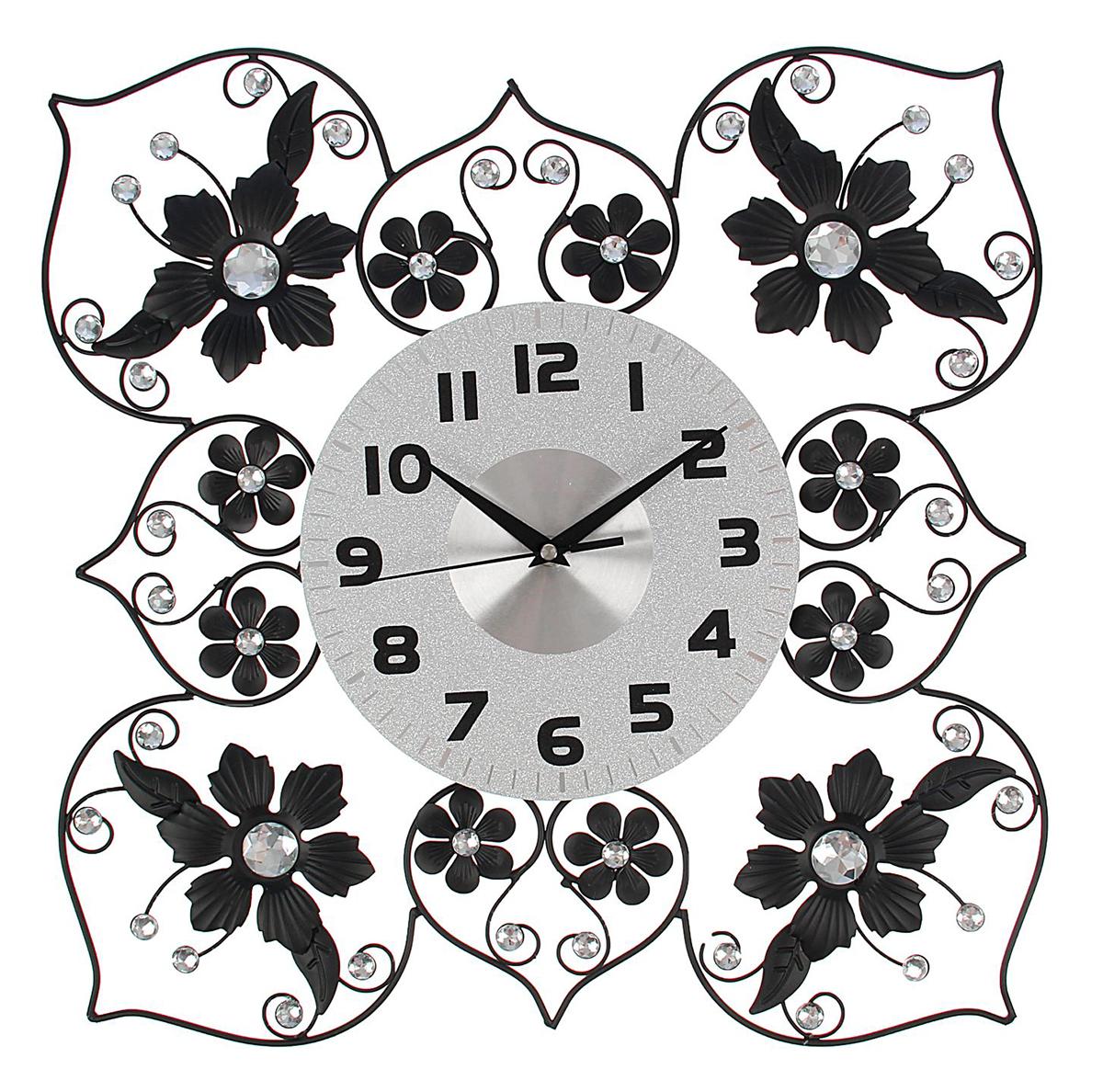 Часы настенные Ажур. Цветочки, диаметр 45 см1550659Каждому хозяину периодически приходит мысль обновить свою квартиру, сделать ремонт, перестановку или кардинально поменять внешний вид каждой комнаты. Часы настенные интерьерные Серия Ажур. Цветочки в форме квадрата, d=45 см — привлекательная деталь, которая поможет воплотить вашу интерьерную идею, создать неповторимую атмосферу в вашем доме. Окружите себя приятными мелочами, пусть они радуют глаз и дарят гармонию.Часы настенные серии Ажур Цветочки в форме квадрата d=45см 1550659