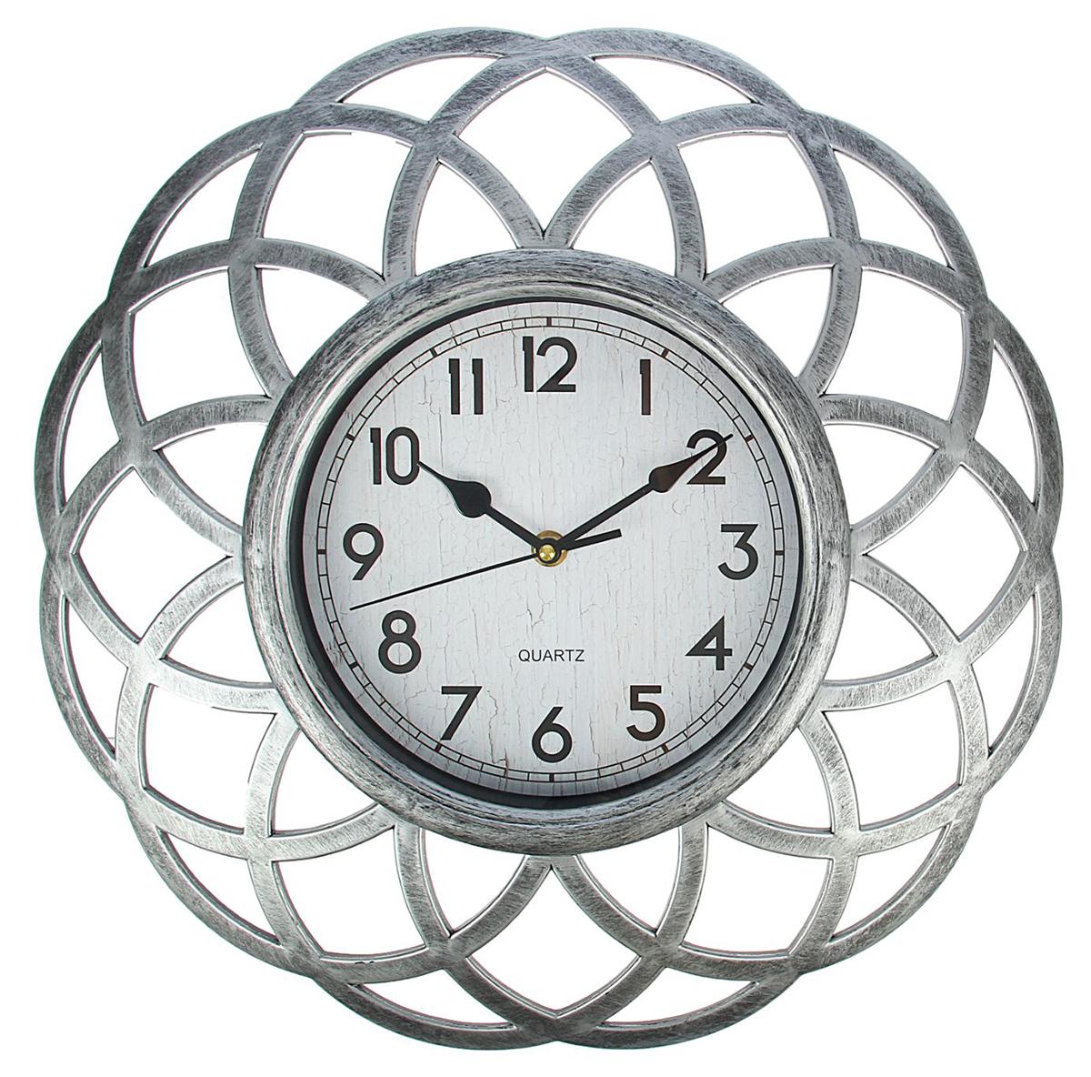Часы настенные Жанна. Треугольники, цвет: хром, диаметр 39 см1586547Каждому хозяину периодически приходит мысль обновить свою квартиру, сделать ремонт, перестановку или кардинально поменять внешний вид каждой комнаты. Часы настенные Серия Жанна. Виражи, d=39 см, рама хром, циферблат ретро — привлекательная деталь, которая поможет воплотить вашу интерьерную идею, создать неповторимую атмосферу в вашем доме. Окружите себя приятными мелочами, пусть они радуют глаз и дарят гармонию.Часы настенные серия Жанна, рама треугольники хром, ретро циферблат d=39см 1586547