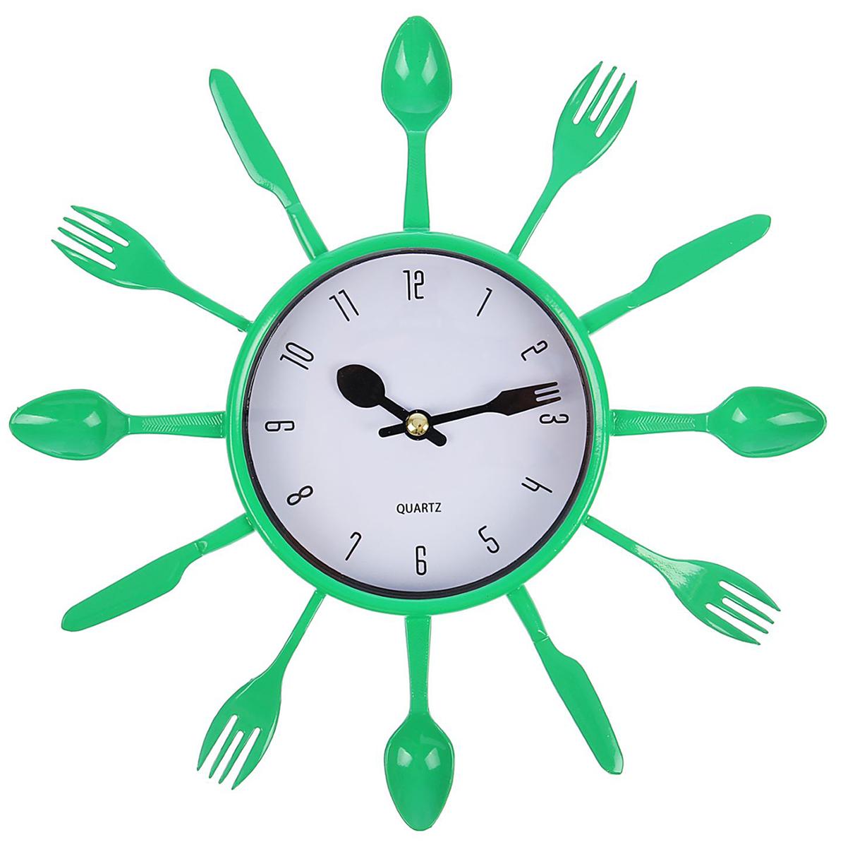 Часы настенные Столовые приборы. Вилки/ложки/ножи, цвет: зеленый, диаметр 25 см1588328Каждому хозяину периодически приходит мысль обновить свою квартиру, сделать ремонт, перестановку или кардинально поменять внешний вид каждой комнаты. Часы настенные кухонные Столовые приборы, d=25 см, зеленые — привлекательная деталь, которая поможет воплотить вашу интерьерную идею, создать неповторимую атмосферу в вашем доме. Окружите себя приятными мелочами, пусть они радуют глаз и дарят гармонию.Часы настенные Столовые приборы, вилки/ложки/ножи зеленые, белый циферблат d=25см 1588328