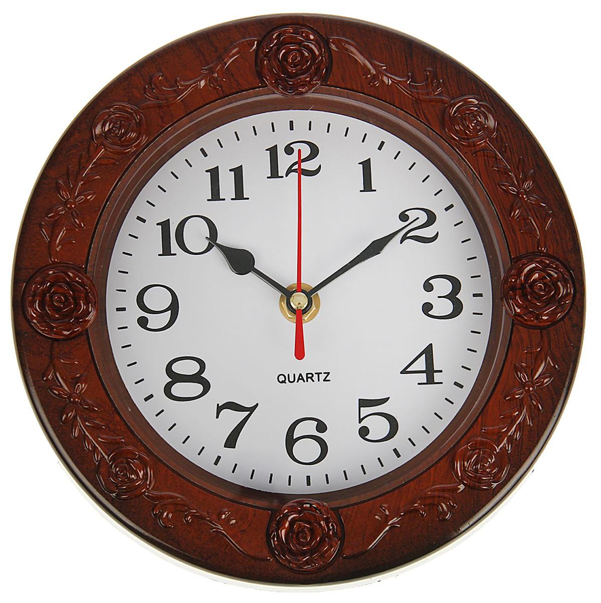 Часы настенные, цвет: коричневый, белый, диаметр 19,5 см1716929Каждому хозяину периодически приходит мысль обновить свою квартиру, сделать ремонт, перестановку или кардинально поменять внешний вид каждой комнаты. — привлекательная деталь, которая поможет воплотить вашу интерьерную идею, создать неповторимую атмосферу в вашем доме. Окружите себя приятными мелочами, пусть они радуют глаз и дарят гармонию.Часы настенные круг, рама вставки розы коричневая, циферблат белый d=19,5 1716929