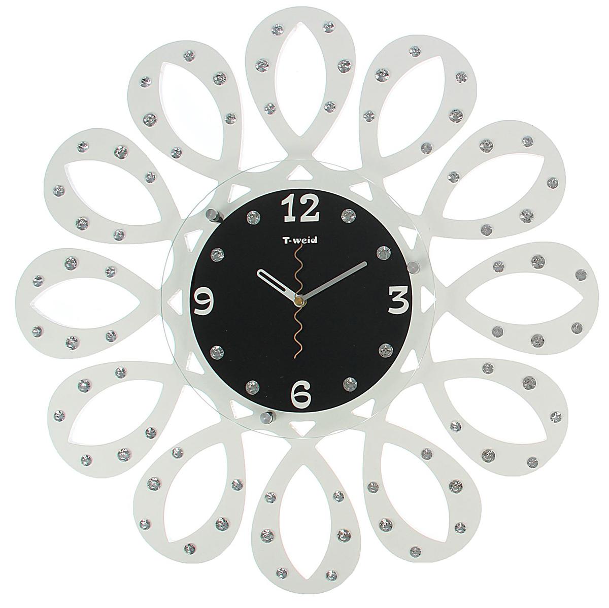 Часы настенные T-Weid Катрин, диаметр 52 см. 17178831717883Каждому хозяину периодически приходит мысль обновить свою квартиру, сделать ремонт, перестановку или кардинально поменять внешний вид каждой комнаты. Часы настенные интерьерные Серия Катрин. Петли, d=40 см, белые, циферблат черный — привлекательная деталь, которая поможет воплотить вашу интерьерную идею, создать неповторимую атмосферу в вашем доме. Окружите себя приятными мелочами, пусть они радуют глаз и дарят гармонию.Часы настенные серия Катрин, петли со стразами, белые d=52см 1717883