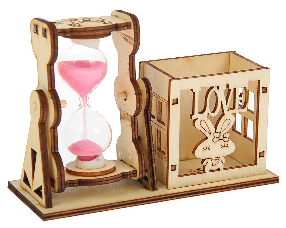 Песочные часы Фанера. Love, 9 х 13 см1717915Каждому хозяину периодически приходит мысль обновить свою квартиру, сделать ремонт, перестановку или кардинально поменять внешний вид каждой комнаты. Часы песочные Серия фанера. Подставка-зайчик — привлекательная деталь, которая поможет воплотить вашу интерьерную идею, создать неповторимую атмосферу в вашем доме. Окружите себя приятными мелочами, пусть они радуют глаз и дарят гармонию.Часы песочные. Серия фанера. Подставка-зайчик, love 9*13см 1717915