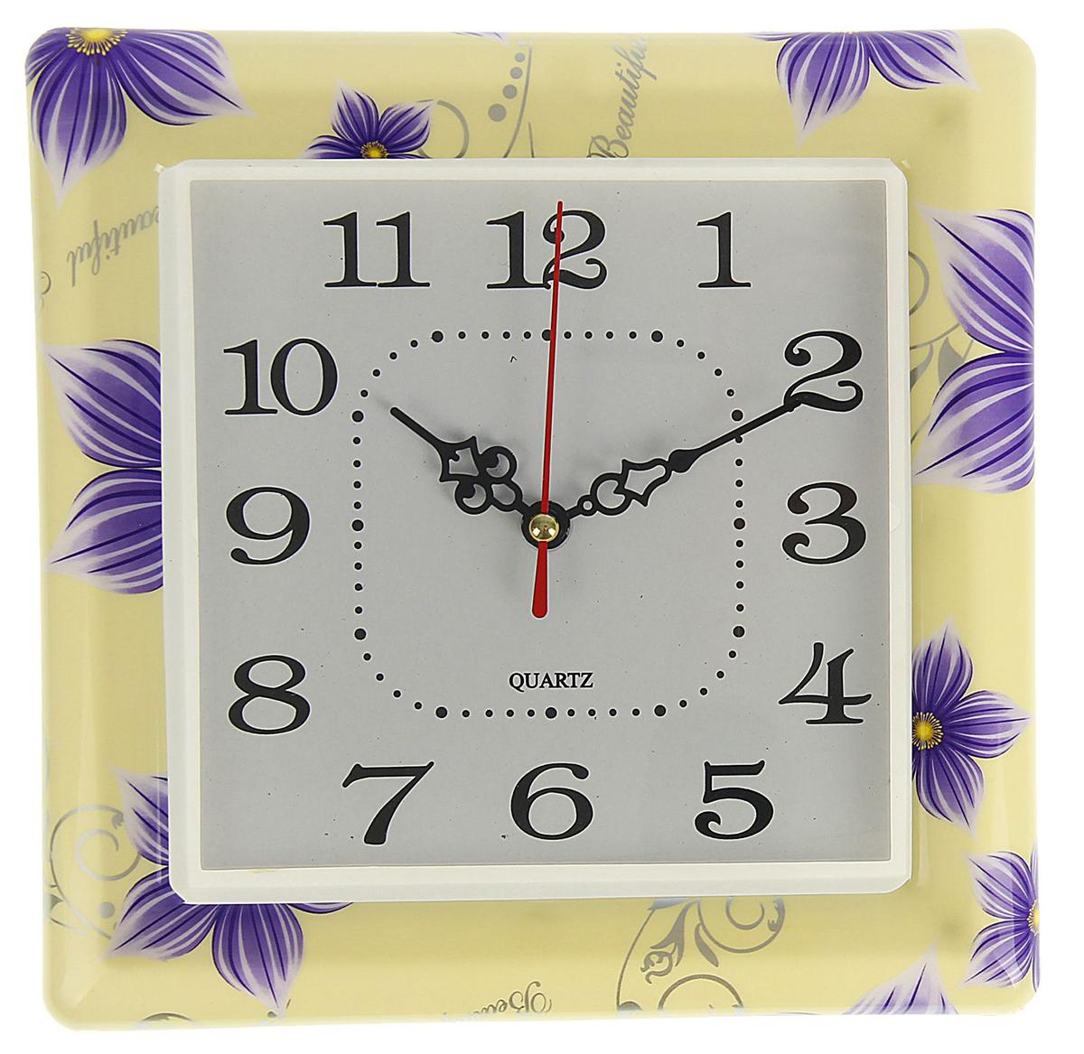 Часы настенные Весеннее настроение. Синие цветочки, 20 х 20 см1737079Каждому хозяину периодически приходит мысль обновить свою квартиру, сделать ремонт, перестановку или кардинально поменять внешний вид каждой комнаты. Часы настенные квадратные Сиреневые цветы, 20 ? 20 см — привлекательная деталь, которая поможет воплотить вашу интерьерную идею, создать неповторимую атмосферу в вашем доме. Окружите себя приятными мелочами, пусть они радуют глаз и дарят гармонию.Часы настенные Весеннее настроение, квадрат Цветочки синие 20*20см 1737079