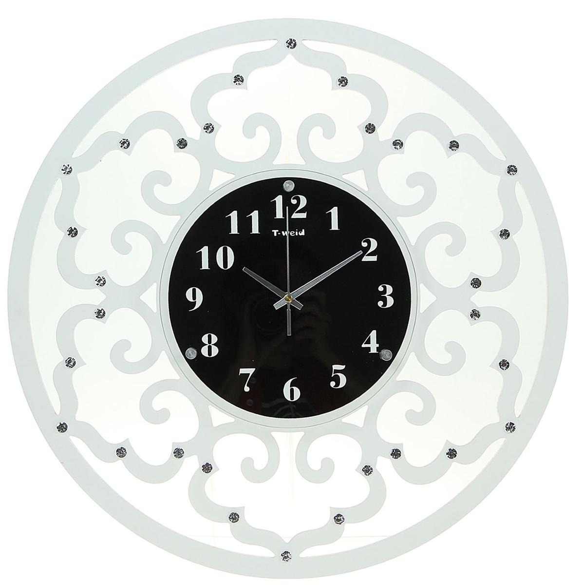 Часы настенные T-Weid Катрин, диаметр 52 см. 19650511965051Каждому хозяину периодически приходит мысль обновить свою квартиру, сделать ремонт, перестановку или кардинально поменять внешний вид каждой комнаты. — привлекательная деталь, которая поможет воплотить вашу интерьерную идею, создать неповторимую атмосферу в вашем доме. Окружите себя приятными мелочами, пусть они радуют глаз и дарят гармонию.Часы настенные серия Катрин, круг орнамент арками со стразами, белые d=52см 1965051