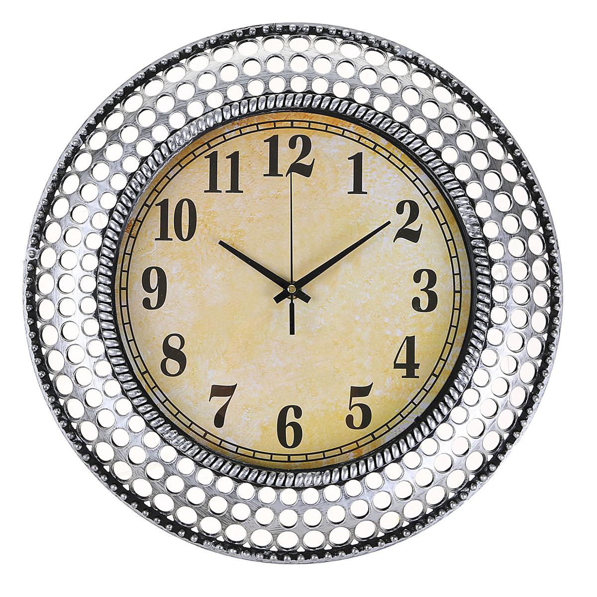 Часы настенные интерьерные Bubbles, диаметр 40 см2334890Каждому хозяину периодически приходит мысль обновить свою квартиру, сделать ремонт, перестановку или кардинально поменять внешний вид каждой комнаты. — привлекательная деталь, которая поможет воплотить вашу интерьерную идею, создать неповторимую атмосферу в вашем доме. Окружите себя приятными мелочами, пусть они радуют глаз и дарят гармонию.Часы настенные интерьерные Bubbles, круг, серебристая рама, 40*4см 2334890