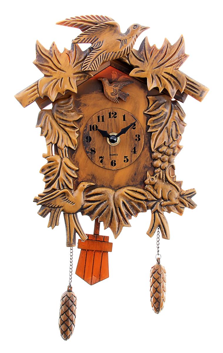 Часы настенные с кукушкой Лесные жители, 38 х 20 см487364Часы с кукушкой давно перестали быть просто часами или предметом интерьера. Это явление культуры. Первые часы с кукушкой появились более 300 лет назад. Их родиной считается германская земля Шварцвальд. Привычный для нас внешний вид – сказочный домик, украшенный листьями или фигурками животных и птиц,- часы обрели в середине XIX века. Часы настенные с кукушкой Лесные жители, МИКС работают на батарейке, гири – бутафорские. Громкость кукушки регулируется.часы настенные с кукушкой лесные жители 38*20см пластик 487364