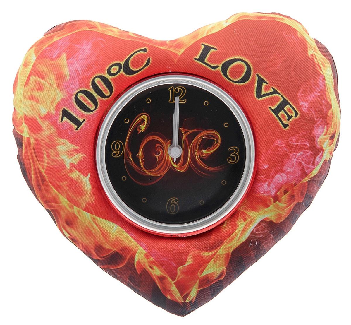 Часы настольные Love, 16 х 19 см. 760849760849Такого мы еще не видели! Мягкие настольные часы, которые потрясают воображение. ##Name## – это удивительной красоты подарок для любимых, который способен в полной мере выразить ваши чувства. Вторая половинка останется в восторге от такого знака внимания. В чем же преимущества этой модели? Форма Оригинальность идеи Универсальность в использовании Смелость выбора цвета при создании такого совершенства Чувственная надпись, способная сказать за вас многое Надежная подставка Удобный «читаемый» циферблат Еще сомневаетесь? Тогда вот еще несколько аргументов: часы послужат вам удобной подушкой в случае, если ожидание спутницы затянется на неопределенный срок; имея под рукой такие мягкие часики, уверяем, вы избежите жертв при скандале, ведь кидаться ими не только безболезненно, но и забавно; а на случай, если вы решили отдохнуть Часы настольные Жаркая любовь, магнит и подставка – идеальный вариант. Мягкую часть используйте в качестве подушки, а часы, чтобы следить за временем; также обратите внимание: мягкий «корпус» спасет часовой механизм от всех ударов судьбы. Представьте лицо любимого человека, когда он будет принимать от вас такой знак внимания. Мы вас уверяем, без улыбки и слов благодарности здесь не обойдется. Поэтому спешите, заказывайте Часы настольные Жаркая любовь, магнит и подставка прямо сейчас и спешите на свидание к любимому человеку.
