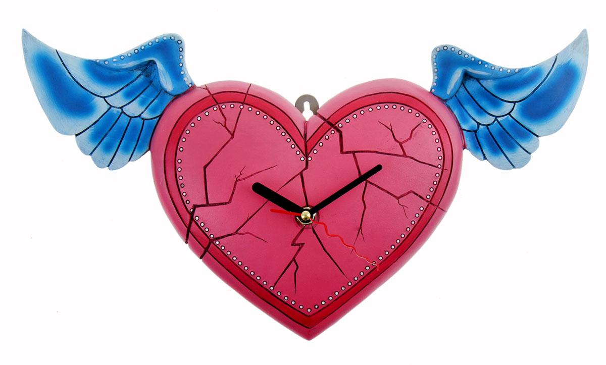 """Часы настенные интерьерные """"Серия Франсуаза. Сердце с крыльями"""" – пикантная деталь, которая придаст интерьеру яркий акцент, законченный вид и позволит всегда планировать свое время с наибольшей эффективностью. Любовная тематика, выраженная в часах, непременно понравится вашему избраннику, возможно, такой комплимент станет началом чего-то нового и романтического.часы настенные серия Франсуаза Сердце с крыльями 20,7*37,7см 760870"""