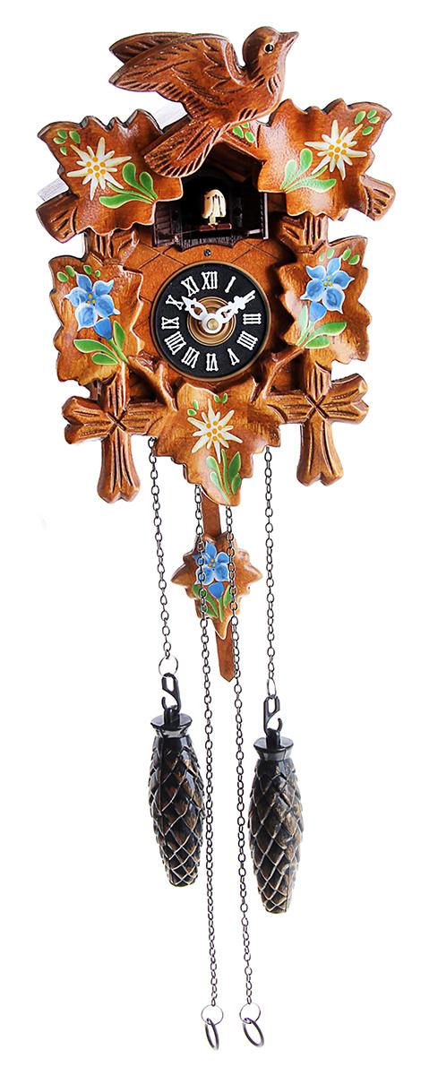 Часы настенные с кукушкой, расписные, 17,8 х 23,2 см760888Часы с кукушкой давно перестали быть просто часами или предметом интерьера. Это явление культуры. Первые часы с кукушкой появились более 300 лет назад. Их родиной считается германская земля Шварцвальд. Привычный для нас внешний вид – сказочный домик, украшенный листьями или фигурками животных и птиц,- часы обрели в середине XIX века. часы настенные с кукушкой дерево росписные с листьями 17,8*23,2см работают на батарейке, гири – бутафорские. Громкость кукушки регулируется.часы настенные с кукушкой дерево расписные с листьями 17,8*23,2см 760888