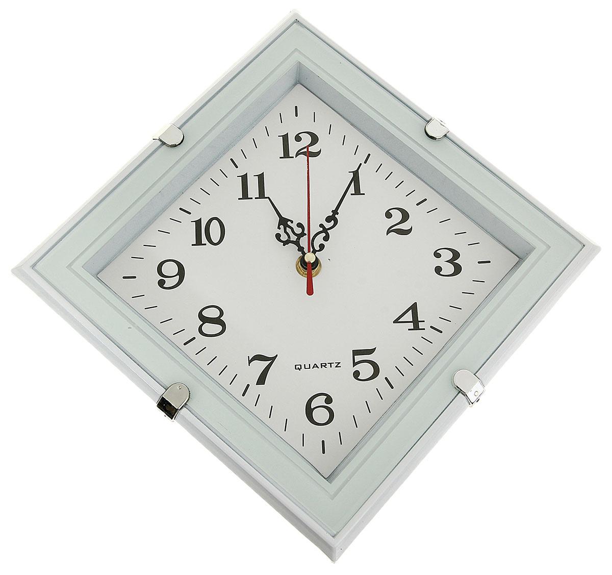 Часы настенные Ромб, 31 х 31 см831342Часы настенные Ромб - функциональная деталь интерьера в доме. Окружите себя приятными мелочами, пусть они радуют глаз и дарят гармонию.