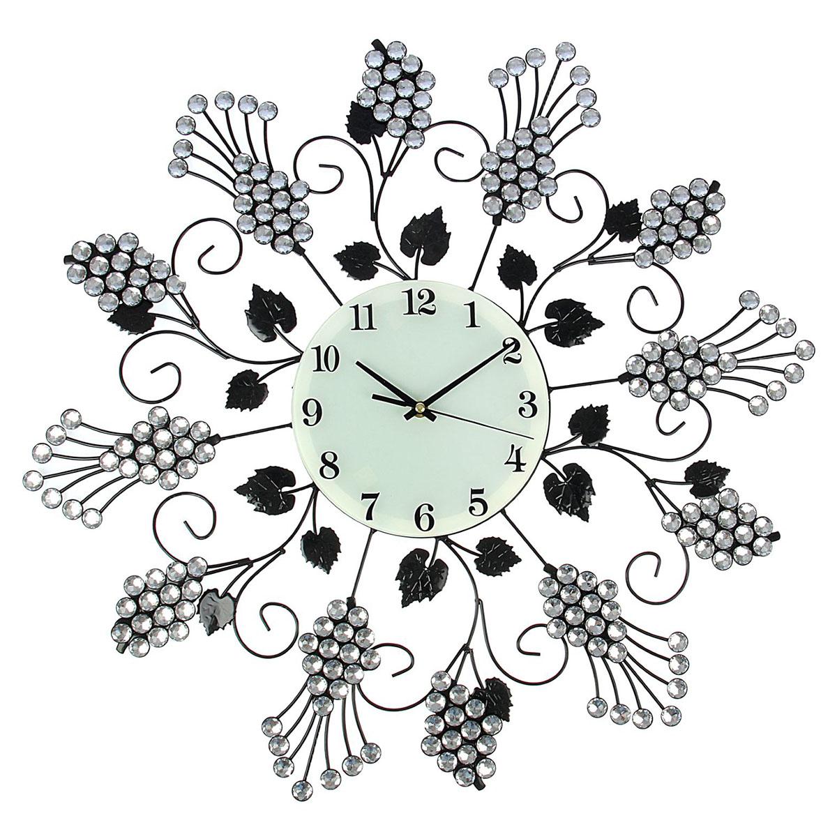 Часы настенные Ажур. Виноградная лоза с листочками, диаметр 62 см834706Каждому хозяину периодически приходит мысль обновить свою квартиру, сделать ремонт, перестановку или кардинально поменять внешний вид каждой комнаты. Часы настенные интерьерные Серия Ажур. Виноградная лоза из страз, d=62 см — привлекательная деталь, которая поможет воплотить вашу интерьерную идею, создать неповторимую атмосферу в вашем доме. Окружите себя приятными мелочами, пусть они радуют глаз и дарят гармонию.Часы настенные серия Ажур,циферблат круг, виноградная лоза из страз с листочками, d=62см 834706