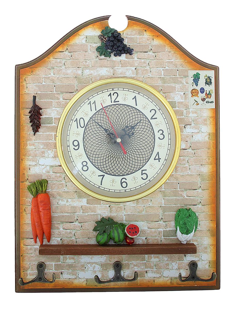 Часы настенные Овощи и фрукты, 27 х 35 см841096Каждому хозяину периодически приходит мысль обновить свою квартиру, сделать ремонт, перестановку или кардинально поменять внешний вид каждой комнаты. Часы настенные кухонные с крючками Овощи и фрукты — привлекательная деталь, которая поможет воплотить вашу интерьерную идею, создать неповторимую атмосферу в вашем доме. Окружите себя приятными мелочами, пусть они радуют глаз и дарят гармонию.