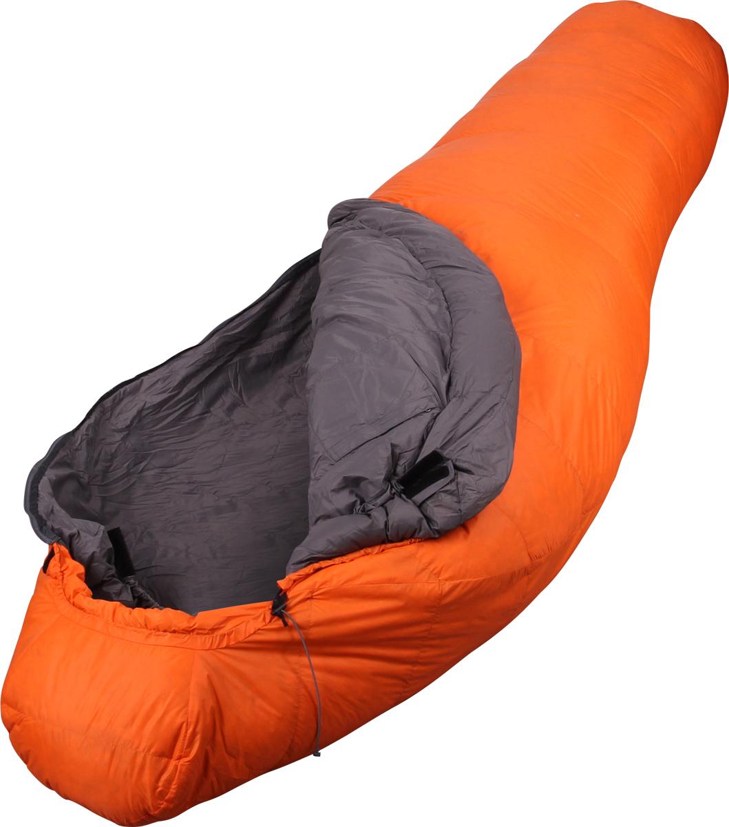 Мешаок спальный Сплав Adventure Permafrost, левосторонняя молния, цвет: оранжевый, 220 x 85 x 55 см4503576Сплав Adventure Permafrost - легкий и теплый по своему температурному диапазону рассчитан на зиму и горные походы.Тип конструкции: кокон.Тёплые швы.Разъемная двухзамковая молния с объёмной внутренней планкой, утеплённой пухом.Регулировка лицевого отверстия капюшона шнуром.Анатомический тёплый шейный пакет.Регулировка шейного пакета шнуром.Увеличенная норма набивки секций в районе ступней.Внутренний карман на молнии.Петли для просушки.Петли для крепления внутреннего вкладыша.Компрессионный мешок в комплекте.Материалы:Ткань верха: 100% нейлон 20D, 35 г/м2, Ripstop, DWR.Подкладка: 100% нейлон 20D, 36 г/м2, DWR.Утеплитель: Высококачественный серый гусиный пух Каригуз с гидрофобной обработкой Nikwax FP 680.Температурный режим:Комфорт: -5… -11° С.Экстрим: -30° С.Габариты и вес:Размеры: 220 х 85 х 55 см (рост до 190 см).Полный вес: 1,20 кг.Размеры в упакованном виде: диаметр 22 х 40/30 см.Вес утеплителя: 711 г.Внимание! Длительное хранение в сжатом виде не рекомендуется. Упаковку в компрессионный мешок следует производить произвольно, сминая спальный мешок, а не аккуратно скатывая, так как при этом минимально деформируется утеплитель.