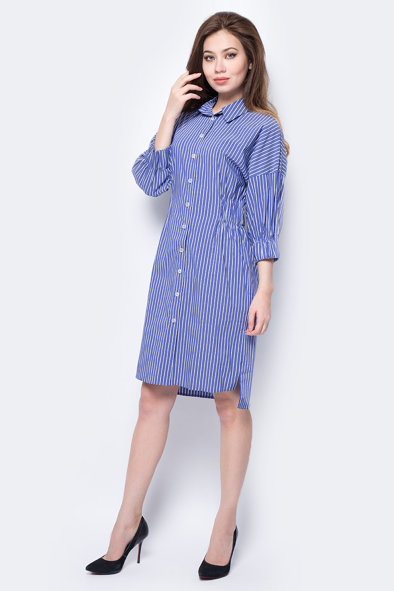 Платье adL, цвет: голубой. 12433736000_103. Размер S (42/44)12433736000_103Яркое платье-рубашка adL, оформленное принтом в полоску, поможет создать стильный образ и привлечь внимание окружающих. Модель миди-длины с отложным воротником и рукавами со спущенным плечом застегивается спереди на пуговицы по всей длине. Линию талии подчеркивают вшитые широкие резинки. Мягкая эластичная ткань на основе хлопка и полиамида приятна на ощупь и комфорта в носке. Модель подойдет для прогулок и дружеских встреч и сделает ваш образ неповторимым.
