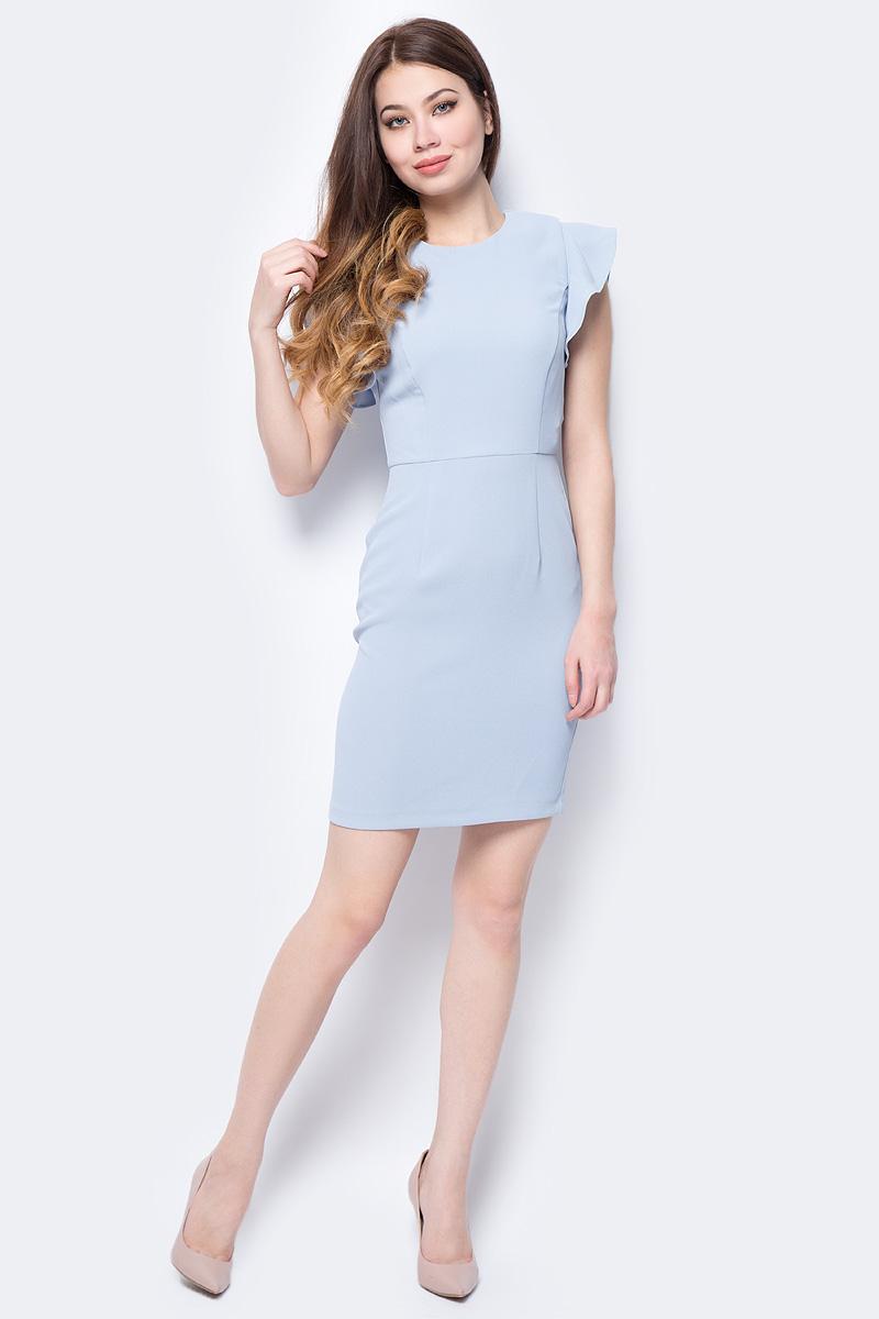 Платье adL, цвет: светло-голубой. 12432202001_035. Размер XS (40/42)12432202001_035Яркое платье adL поможет создать стильный образ и привлечь внимание окружающих. Модель приталенного кроя с круглым вырезом горловины и рукавами-крылышками застегивается на скрытую молнию на спинке. Мягкая ткань на основе полиэстера приятна на ощупь и комфортна в носке. Модель подойдет для офиса и дружеских встреч и сделает ваш образ неповторимым.