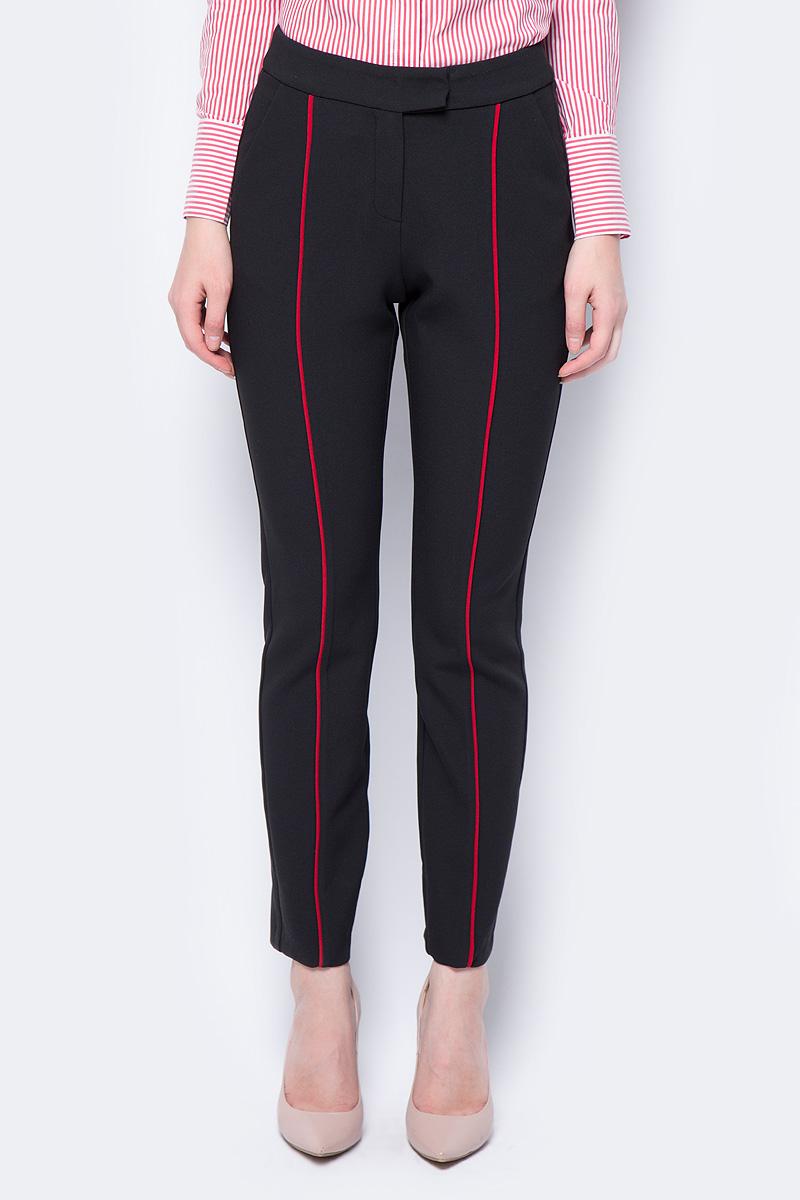 Брюки женские adL, цвет: черный. 15333974000_001. Размер L (46/48)15333974000_001Оригинальные брюки adL, оформленные контрастными полосками, помогут создать стильный повседневный образ. Укороченная модель зауженного кроя застегивается на молнию и скрытые крючки в поясе и дополнена двумя втачными карманами. Мягкая эластичная ткань на основе полиэстера и вискозы приятна на ощупь и комфортна в носке.