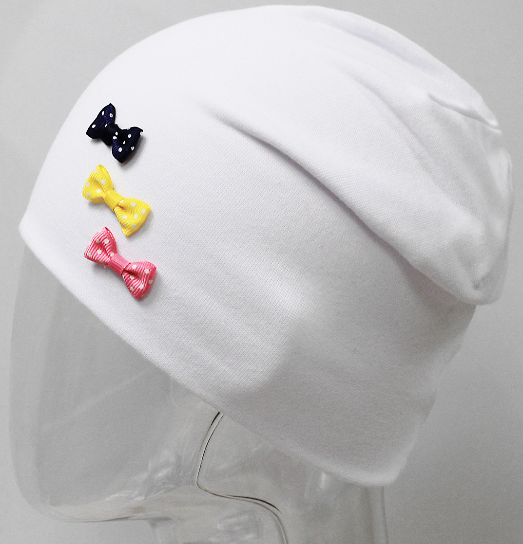 Шапка для девочки Marhatter, цвет: белый. MFH7445/5. Размер 55/56MFH7445/5Двойная шапка Marhatter с современным дизайном, выполненная из тонкого хлопка с содержанием лайкры. Модель украшена объемными бантиками. Отлично дополнит гардероб любой модницы. Уважаемые клиенты!Размер, доступный для заказа, является обхватом головы.