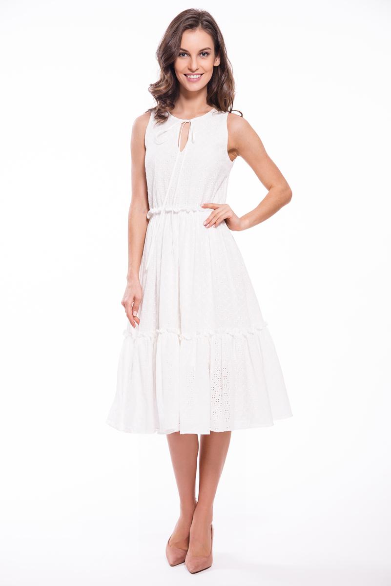 Платье Lusio, цвет: белый. SS18-020035. Размер S (42/44)SS18-020035Легкое платье Lusio изготовлено из натурального хлопка. Модель длины миди и без рукавов дополнена рюшами на талии и на подоле. Платье на линии горловины оформлено тонкими завязками.