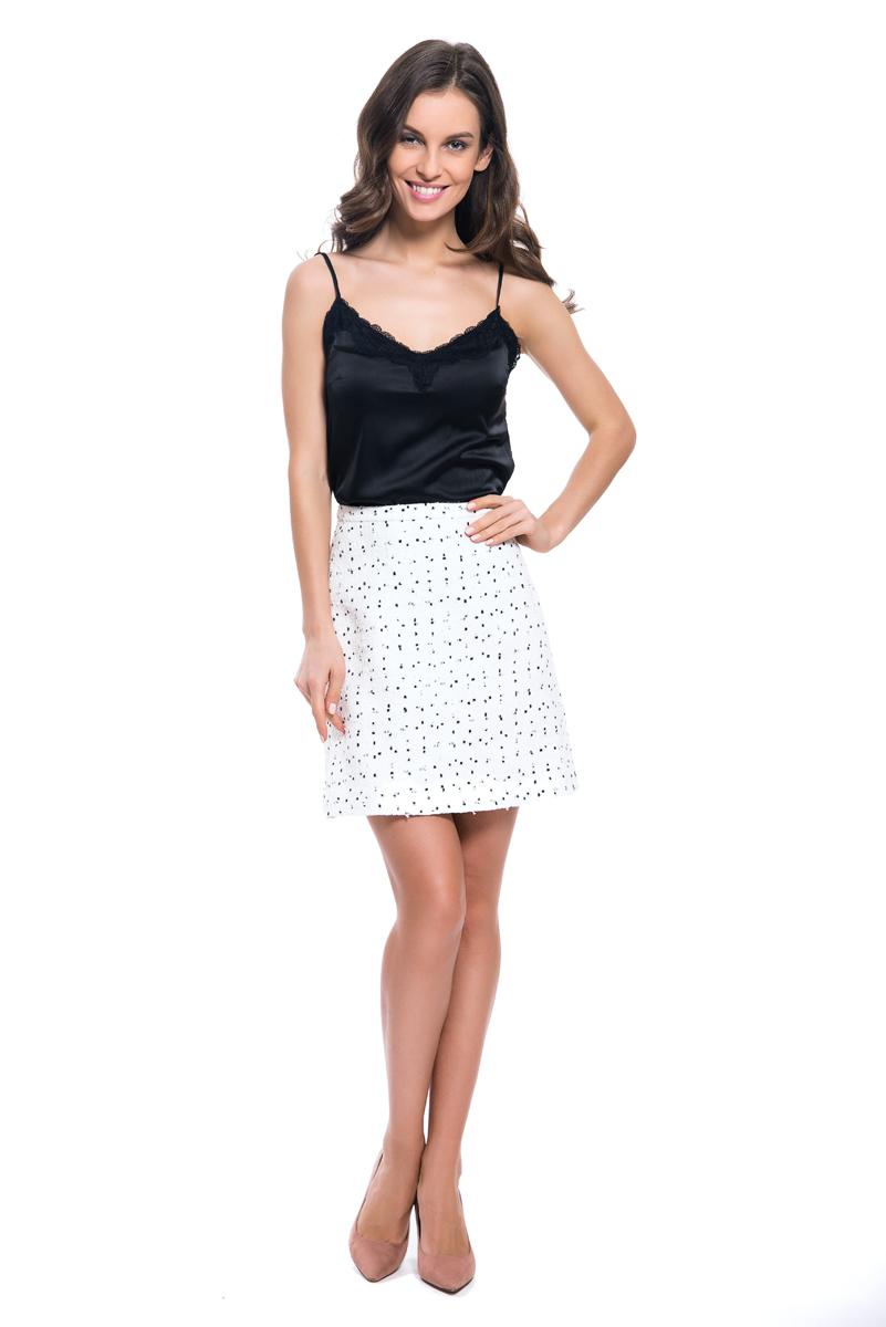 Юбка женская Lusio, цвет: белый. SS18-030019. Размер S (42/44)SS18-030019Стильная юбка Lusio изготовлена из качественной смесовой ткани. Модель длины мини выполнена с контрастным рисунком. Юбка застегивается сзади на скрытую застежку-молнию.