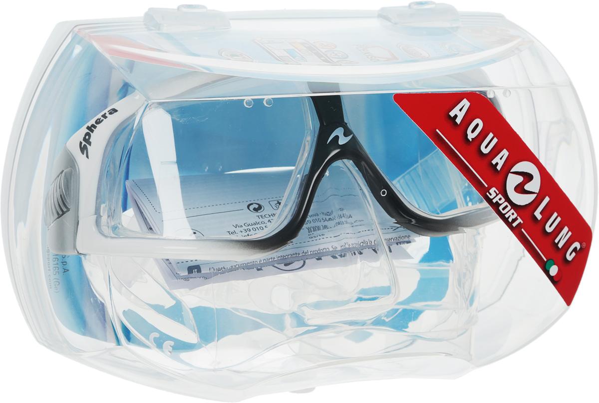 Маска для плавания Aqua Lung Sphere LX, цвет: серый, черныйTN107900 (107740)Aqua Lung Sphere LX сочетает в себе уникальные свойства в результате применения особых материалов и технологий. Новый материал Plexisol позволил создать линзы, не дающие искажений пропорций и размеров объектов под водой, и обеспечивающие максимальный обзор в 180°. Особенности маски: Plexisol в 10 раз легче воды и при этом очень прочен, поэтому эта маска самая легкая в мире (98 г); Линзы изготовлены из плексисола, обеспечивающего видимость реального расстояния под водой;Внешняя сторона линз имеет защитное покрытие от царапин, а внутренняя обработана антизапотевателем;Обзор 180° без каких-либо искажений;Самое маленькое подмасочное пространство среди имеющихся на рынке масок;Малый вес - 98 г, (вес средней маски - 200 г);Анатомический фланец, изготовленный из гипоаллергенного медицинского силикона;Быстро регулируемые пряжки. Материал: силикон, plexisol.