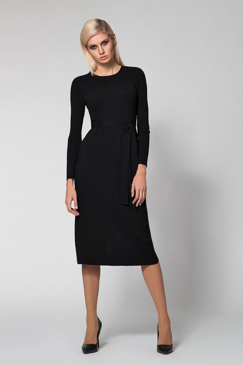 Платье Conso, цвет: черный. KWDL170762. Размер 42 (44)KWDL170762 - blackЭлегантное платье-миди с длинными рукавами и круглым вырезом по горловине. Изделие со слегка завышенной талией и шлицей по задней детали. Платье изготовлено из эластичного трикотажа, верхняя деталь оформлена фактурной вязкой. В комплекте к платью идет трикотажный пояс, который подчеркивает талию.
