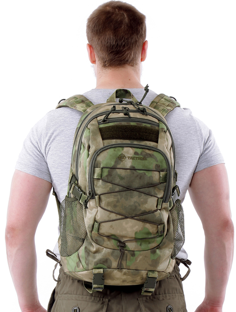 Рюкзак туристический KE Tactical Mission, цвет: A-Tacs FG, 25 л. 1002010510020105Для рюкзаков серии Mission характерна универсальность. Они подходят для военного и гражданского применения, для полевых условий и города. Компактный однодневный рюкзак KE Tactical 1-Day Mission подходит для переноски ноутбука с экраном в 15 дюймов. Для размещения лэптопа рекомендуется использовать плоский отсек в спинке рюкзака. В других обстоятельствах в этот плоский отсек закладывается мягкая вставка из изолона с каркасной пластиной или бронепластина подходящего размера.