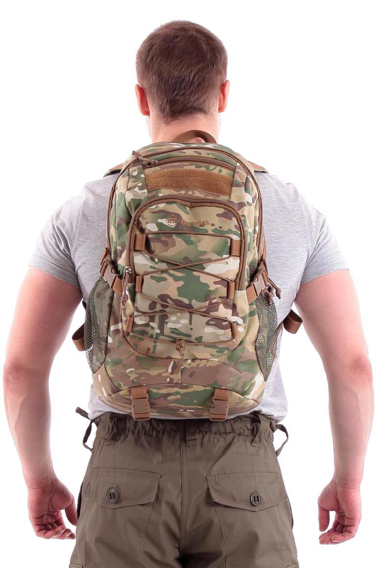 Рюкзак туристический KE Tactical Mission, цвет: multicam, 25 л. 90201039020103Для рюкзаков серии Mission характерна универсальность. Они подходят для военного и гражданского применения, для полевых условий и города. Компактный однодневный рюкзак KE Tactical 1-Day Mission подходит для переноски ноутбука с экраном в 15 дюймов. Для размещения лэптопа рекомендуется использовать плоский отсек в спинке рюкзака. В других обстоятельствах в этот плоский отсек закладывается мягкая вставка из изолона с каркасной пластиной или бронепластина подходящего размера.