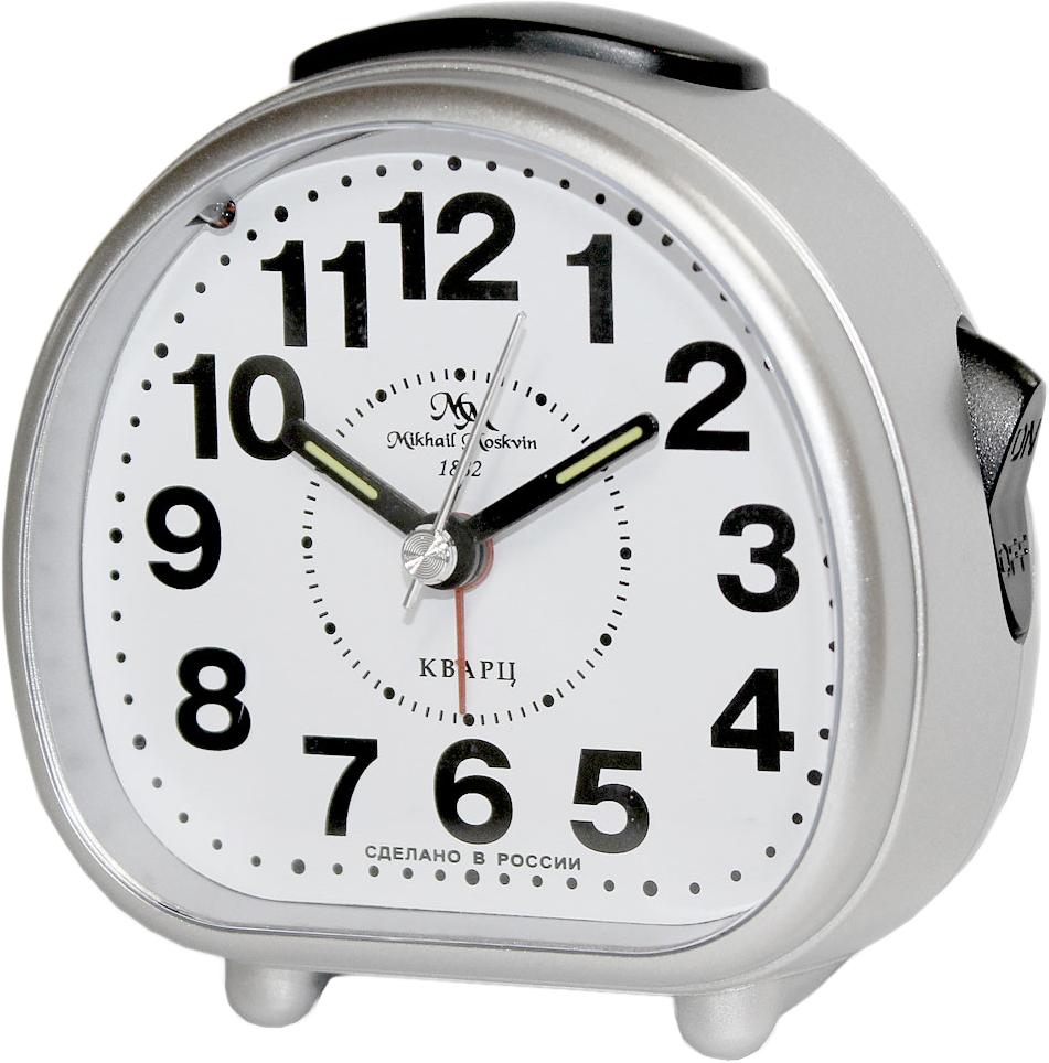 Будильник кварцевый Mikhail Moskvin, цвет: серебристый. 2815/32815/3Отечественный двухзвонковый будильник с надежным кварцевым механизмом - это не только функциональное устройство, но и оригинальный элемент декора, который великолепно впишется в интерьер вашего дома. . Он снабжен четырьмя стрелками: часовой, минутной, секундной и стрелкой завода.