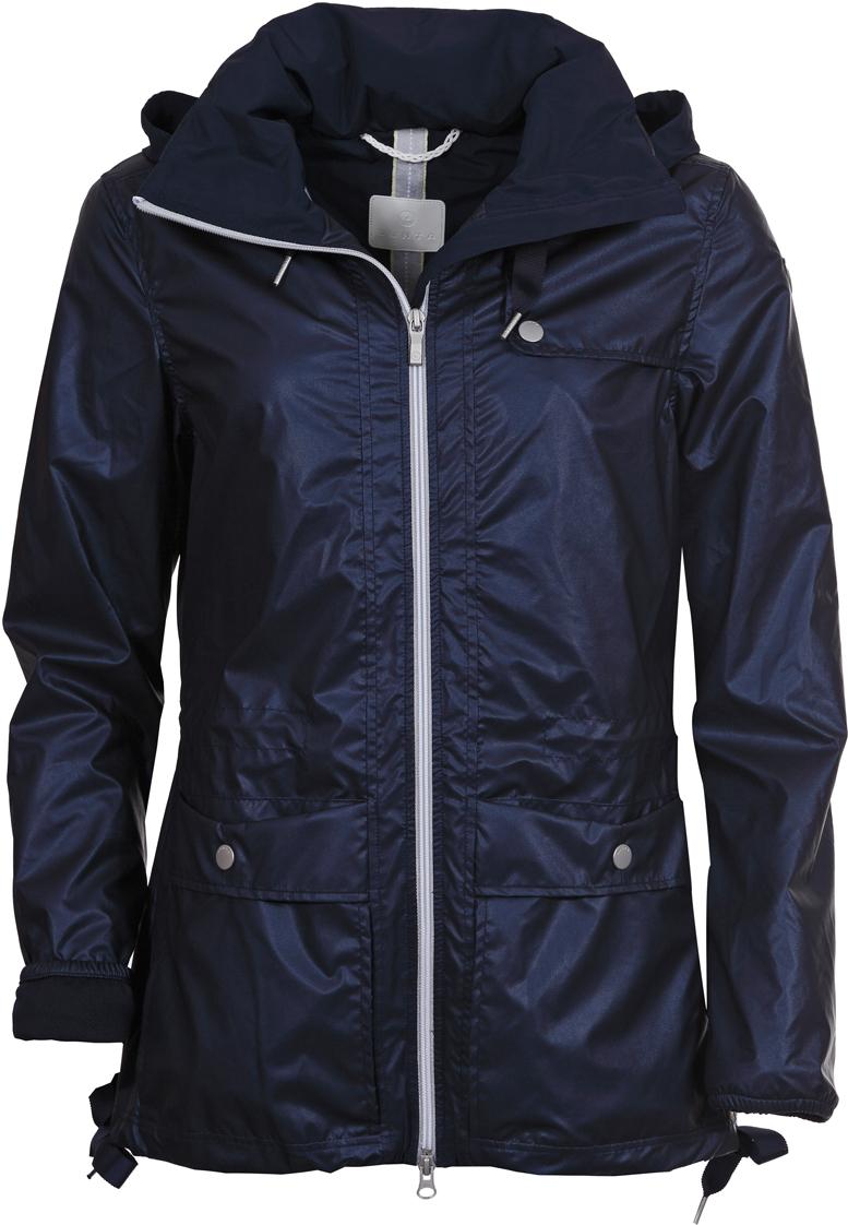 Куртка женская Luhta, цвет: темно-синий. 939471397LV_387. Размер 40 (48)939471397LV_387Женская куртка Luhta выполнена из плотного полиэстера с подкладкой. Куртка с воротником-стойкой и капюшоном застегивается на удобную двустороннюю застежку-молнию спереди. Манжеты рукавов собраны на резинку. Спереди расположены накладные карманы с клапанами на кнопках. По низу предусмотрены затягивающиеся шнурки.