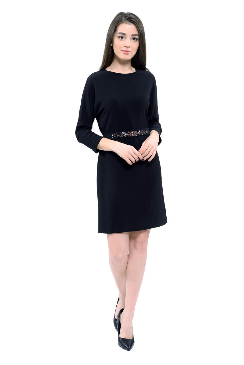 Платье Lusio, цвет: черный. AW18-020204. Размер S (42/44)AW18-020204Платье Lusio изготовлено из качественной плотной ткани. Модель длины мини и с рукавами 3/4 дополнена поясом, расшитым крупными стразами. Платье застегивается сзади на скрытую молнию.