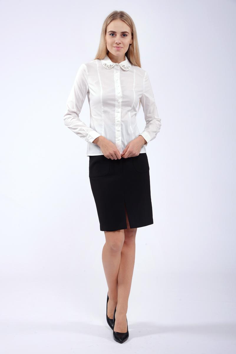 Рубашка женская Lusio, цвет: белый. AW18-100003. Размер L (46/48)AW18-100003Рубашка изготовлена из качественной смесовой ткани. У модели прямой крой, отложной воротник с декоративными украшениями, застежка на пуговицы. Длинные рукава с манжетами на пуговицах.
