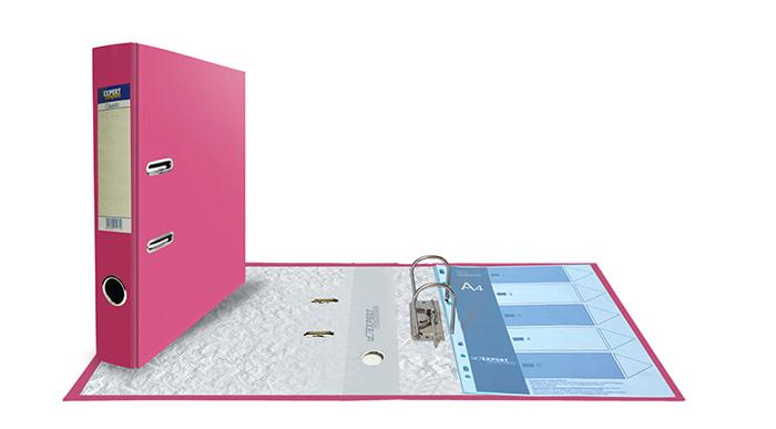 Expert Complete Папка-регистратор Classic формат А4 2518740325187403Папка-регистратор формата А4 Expert Complete Classic. Изготовлена из плотного картона толщиной 2 мм, обеспечивающего жёсткость и правильную геометрию изделия. Обложка из PVC покрытия надежно защищает папку от износа при интенсивной работе. 16 цветов. Корешок шириной 50 мм оснащен торцевым карманом и сменной картонной вложкой для маркировки. Несъемный арочный механизм. Итальянская хромированная фурнитура, не подверженная коррозии. Специальные прорези фиксируют папку в закрытом положении, предохраняя от непроизвольного открывания. Кольцо-захват на торце папки для удобства извлечения с полки. Поле для записей на форзаце. Вмещает до 350 листов стандартной плотности.