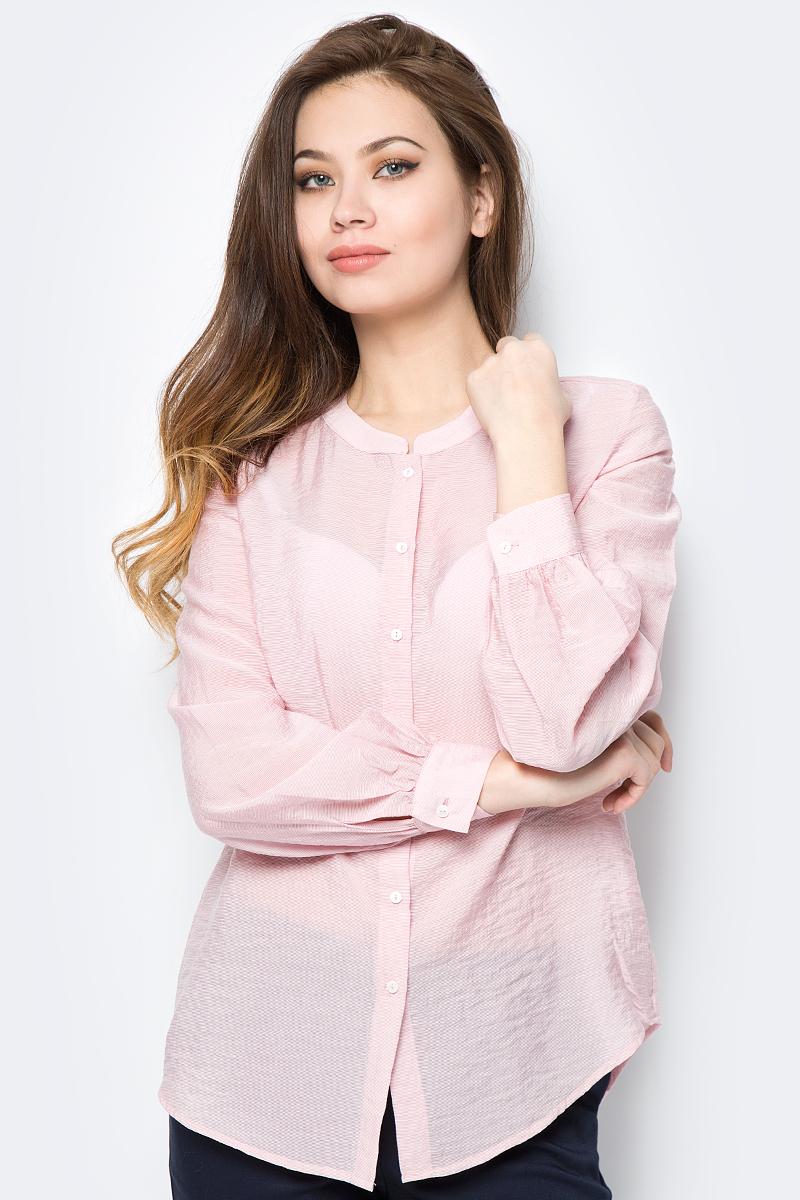 Блузка женская Sela, цвет: розовый. B-112/239-8152. Размер 48B-112/239-8152Женская блузка изготовлена из качественной вискозы с полиэстером. У модели прямой крой и застежка на пуговицы. Длинные рукава с манжетами на пуговицах.