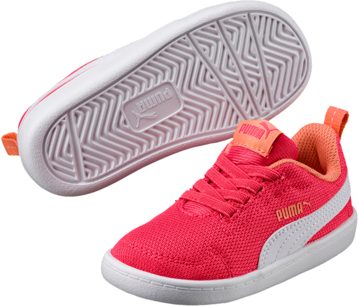 Кеды для девочки Puma Courtflex Mesh PS, цвет: розовый. 36427711. Размер 12 (30)36427711Новая модель Courtflex для детей, которая пришла в коллекцию уличной обуви из мира тенниса. Верх из плотного сетчатого материала, эластичные шнурки и петля на заднике для простоты обувания дополнены мягкой и упругой подошвой из ЭВА. Прекрасный вариант детской обуви на каждый день!