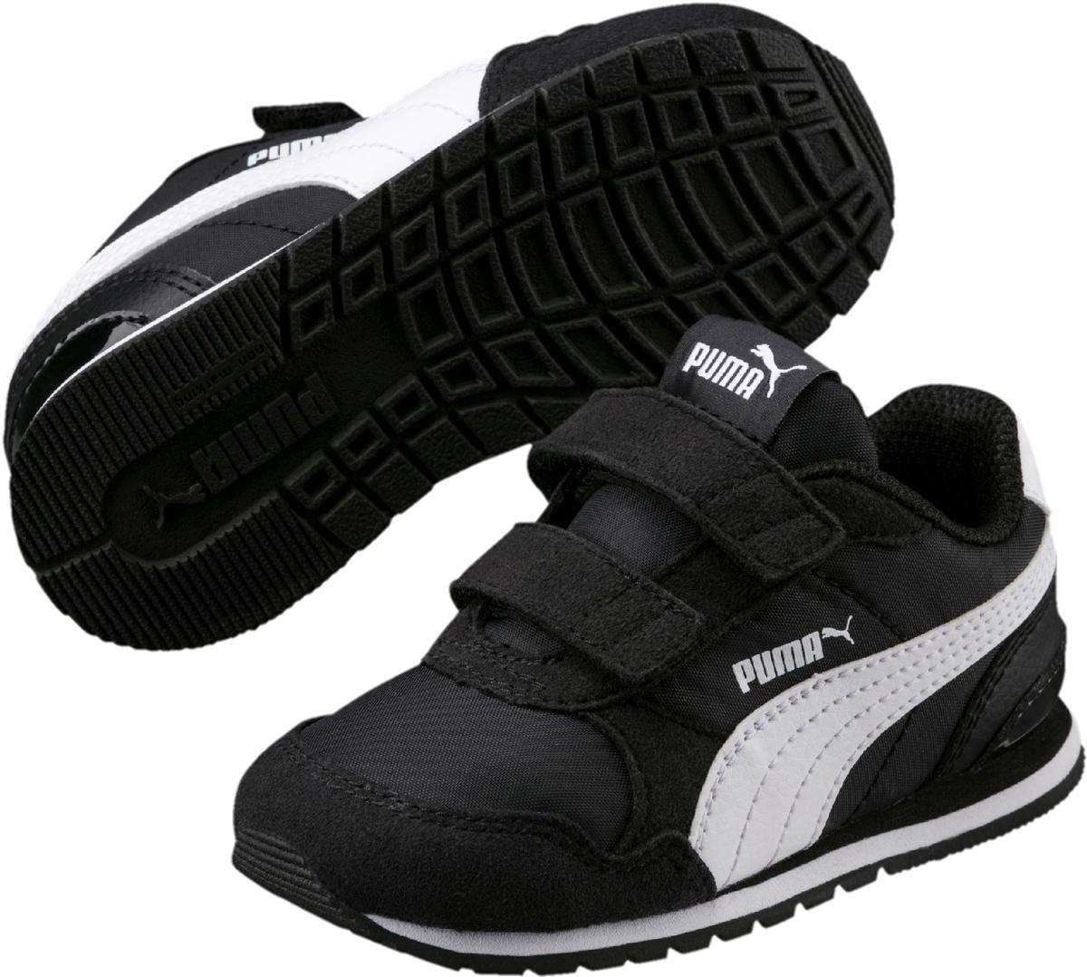 Кроссовки детские Puma ST Runner v2 NL V PS, цвет: черный. 36529401. Размер 11,5 (29)36529401Классический силуэт легендарной модели ST Runner никогда не выйдет из моды. В варианте ST Runner v2 NL предусмотрен сплошной резиновый накат на внешнюю подошву, чтобы нога не проскальзывала, и кроссовки носились дольше. Фигурный задник не только придает модели своеобразие, но и надежно фиксирует пятку. Традиционный нейлоновый верх с фирменной боковой полосой из натуральной кожи соответствует эксклюзивному стилю ST Runner. Липучки обеспечивают надежную фиксацию обуви на ноге ребенка. Подкладка выполнена из текстиля, что предотвращает натирание и гарантирует уют. Резиновая подошва с рифлением обеспечивает идеальное сцепление с любыми поверхностями.
