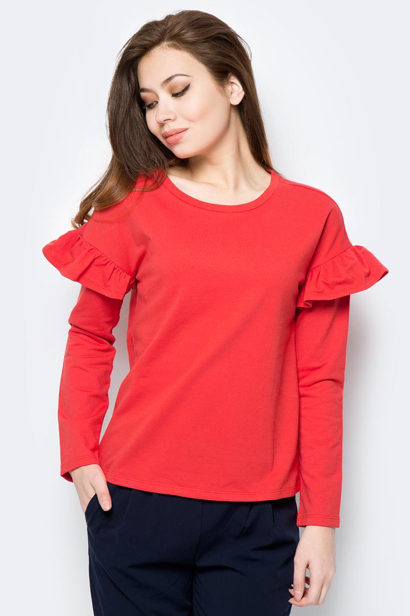 Лонгслив женский Sela, цвет: красный. T-311/192-8112. Размер M (46)T-311/192-8112Лонгслив изготовлен из хлопка и полиэстера. Модель выполнена с длинными рукавами, декорированными у плеча воланами.
