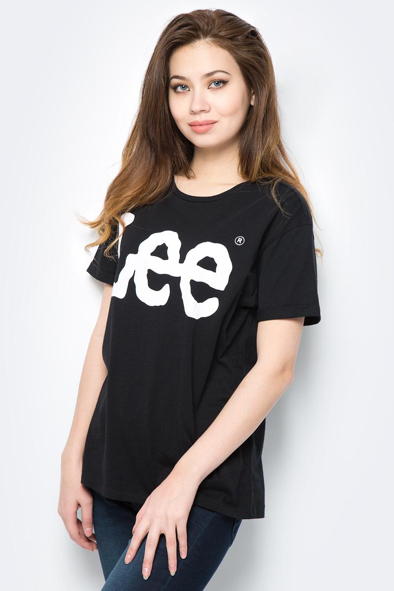 Футболка женская Lee, цвет: черный. L40LEP01. Размер M (44)L40LEP01Женская футболка Lee выполнена из натурального хлопка. Модель с круглым вырезом горловины и короткими рукавами на груди оформлена принтом в виде названия бренда.