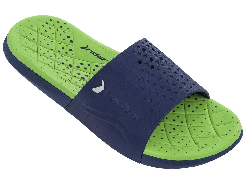 Шлепанцы мужские Rider Infinity Slide AD, цвет: синий, зеленый. 82209-23563. Размер 43 (42)82209-23563Мегакомфортные мужские шлепанцы Infinity Slide AD от Rider выполнены в стильном дизайне. Верх модели на половину перфорирован изготовлен из ПВХ и оформлен объемным названием и логотипом бренда. Пышная стелька из материала EVA - для максимального комфорта и амортизации. Текстура подошвы обеспечивает максимальное сцепление с любой поверхностью.Стильные шлепанцы займут достойное место среди вашей летней обуви.