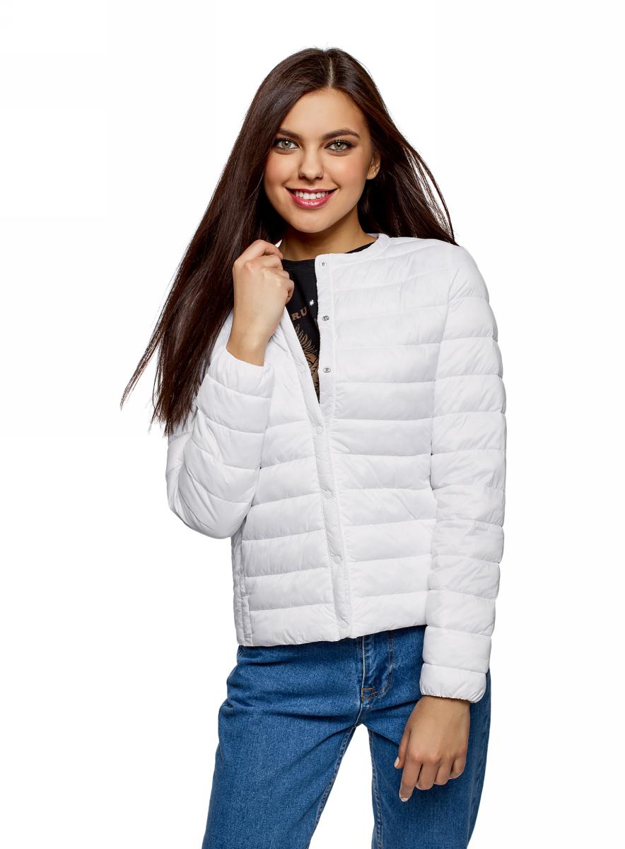 Куртка женская oodji Ultra, цвет: белый. 10204040B/45638/1000N. Размер 36 (42-170)10204040B/45638/1000NЖенская куртка oodji c длинными рукавами выполнена из прочного полиамида. Модель застегивается на застежку-молнию и кнопки.