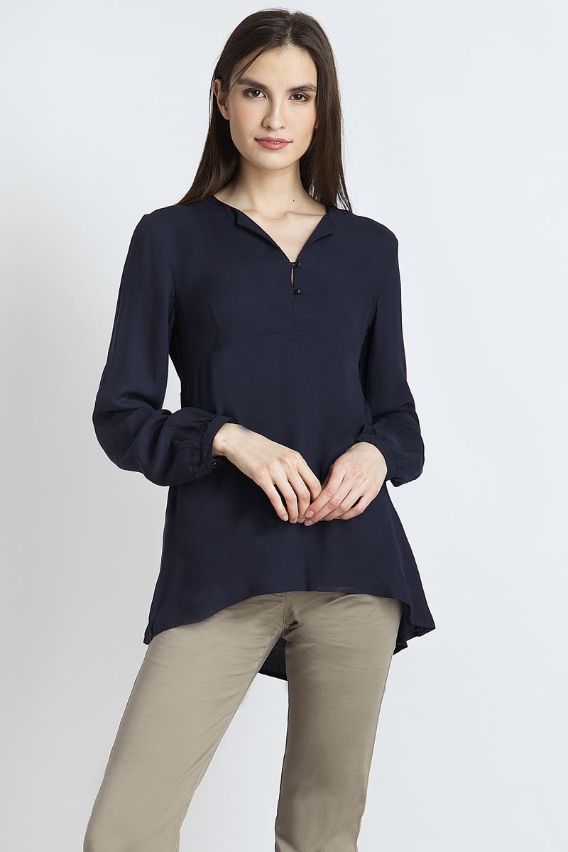 Блузка женская Finn Flare, цвет: темно-синий. B18-12052_101. Размер L (48)B18-12052_101Стильная женская блуза Finn Flare, выполненная из 100% вискозы, подчеркнет ваш уникальный стиль и поможет создать оригинальный женственный образ. Блузка с длинными рукавами и V-образным вырезом горловины оформлена изысканным принтом. Модель застегивается на пуговицы, манжеты рукавов также дополнены пуговицами. Такая блузка идеально подойдет для жарких летних дней.Блузка будет дарить вам комфорт в течение всего дня и послужит замечательным дополнением к вашему гардеробу.