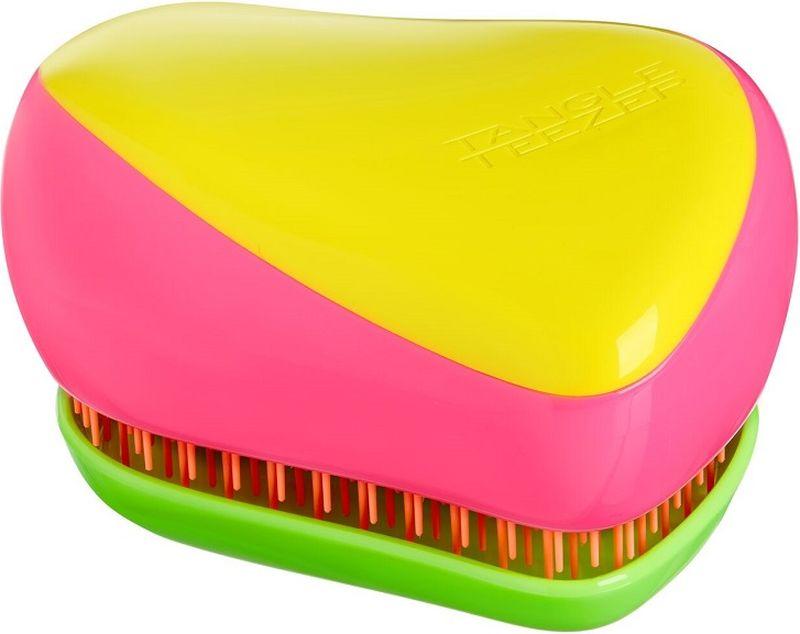 Tangle Teezer Расческа для волос Compact Styler Кaleidoscope5060173372545Лимитированная модель Tangle Teezer Compact Styler Kaleidoscope с ярким сочетанием летних неоновых оттенков: жёлтого, розового, зелёного и оранжевого! Создана знаменитым британским стилистом Шоном Палфри, у которого за плечами более тридцати лет опыта работы в индустрии. Благодаря компактному размеру Tangle Teezer удобно носить с собой и брать в поездки. Плотно прилегающая крышка защитит расчёску от пыли и повреждений. Эргономичная форма позволяет легко расчёсывать как сухие, так и влажные волосы. Благодаря уникальному строению зубчиков, расчёска мягко скользит по волосам, не повреждая и не травмируя их. После использования расчёски волосы приобретают здоровый вид и блеск, становясь гладкими и шелковистыми.