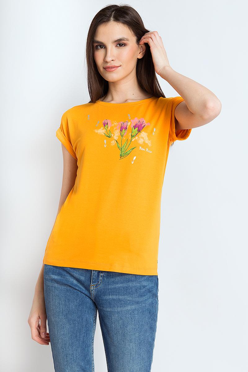Футболка женская Finn Flare, цвет: оранжевый. B18-12069_401. Размер L (48)B18-12069_401Стильная футболка Finn Flare выполнена из вискозы и эластана. Модель с круглымвырезом горловины и короткими рукавами станет отличным элементом в вашем ежедневном гардеробе. Модель украшена ярким принтом. Такую футболку можно комбинировать с любой одеждой в стиле casual.