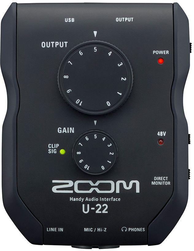 Zoom U-22, Black аудиоинтерфейс ручнойU-22U-22 – это портативный интерфейс, который оснащен всем необходимым для мобильной аудиозаписи. Его отличает инновационный компактный дизайн с двумя входами и выходами, который позволяет с легкостью подключать его к iPhone/iPad и записывать звук в высоком качестве, где бы вы ни находились. Аудиоинтерфейс Zoom U-22 оснащен мощным и бесшумным микрофонным предусилителем, который позволит вам записывать вокал, музыкальные инструменты и многое другое, обеспечивая реалистичность и высокое качество аудио (вплоть до 24-бит/96 кГц). Качество звука, обеспечиваемое U-22, не уступает моделям U-44 и U-24, несмотря на более компактную конструкцию корпуса.U-22 может питаться через USB, а, благодаря компактному форм-фактору, его легко можно подключить к ноутбуку или iPhone/iPad. Инновационный дизайн корпуса обеспечивает быстрый доступ ко всем разъемам, ручкам и кнопкам управления.U-22 оснащен мощным и бесшумным микрофонным предусилителем – точно таким же, каким оснащена исключительно успешная модель портативного рекордера Zoom H6. U-22 можно использовать в качестве усилителя для наушников студийного качества и наслаждаться своей любимой музыкой во всей достоверности.Совмещенный XLR/TS комбо-разъем можно использовать вместе с микрофоном или любым источником линейного сигнала. Он поддерживает фантомное питание до 48V, а также Hi-Z для подключения электро- или бас-гитары. U-22 также оснащен стерео входом, который позволит вам осуществлять запись с iPad, микшера или любого другого портативного аудио устройства.U-22 станет идеальным компаньоном для музыкантов, которые применяют цифровую обработку сигнала или предварительно записанные звуковые элементы во время своих живых выступлений. Подключите ваш аудиоинтерфейс к ноутбуку или iPhone/iPad, запустите программу для работы с эффектами или лупер и отправляйте обработанный сигнал на микшерную консоль или непосредственно на звукоусилительное оборудование посредством стерео входов RCA.Переключатель пря