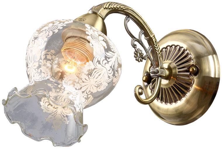 Бра Максисвет Классика, 1 х E27, 60W. 3-4080-1-AB E273-4080-1-AB E27Основное достоинство светильников выполненных в классическом стиле – это использование натуральных материалов и естественных цветов. Каркас светильника выполнен в цвете античной бронзы.