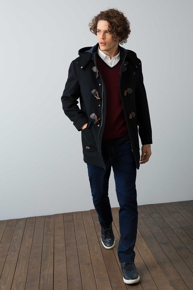 Куртка мужская U.S. Polo Assn., цвет: темно-синий. G081SZ0MS0RUNE. Размер 50G081SZ0MS0RUNEСтильная мужская куртка с воротником-стойкой и капюшоном застегивается на молнию. Имеется внешняя ветрозащитная планка на кнопках. Модель дополнена прорезными карманами на молниях.