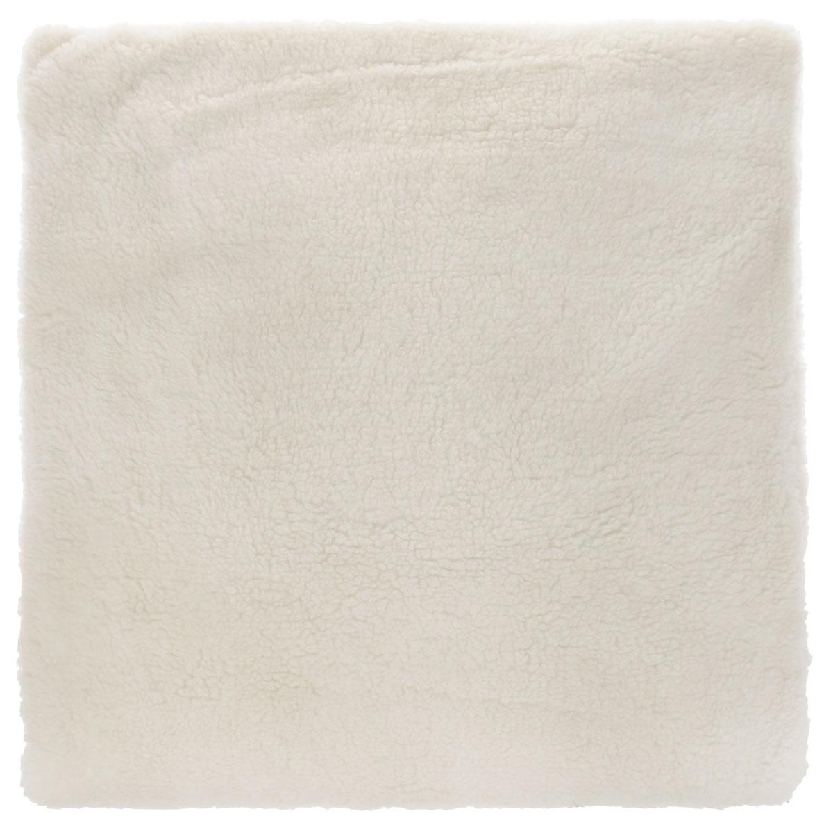 Подушка Bio-Textiles Здоровый сон, наполнитель: лузга гречихи, 70 х 70 смZS936Подушка Bio-Textiles Здоровый сон - модель, в качестве наполнителя для которой используетсяовечья шерсть вместе с натуральной лузгой гречихи.У такого сочетания массапреимуществ:-изделие отличается хорошими дышащими и теплоизоляционными свойствами; -обладает ортопедическим эффектом; -не электризуется, не притягивает пыль; -сохраняет форму длительный срок; -способствует снятию напряжения и полноценному отдыху. Состав:наполнитель - лузга гречихи; чехол из натурального овечьего меха. Рекомендации по уходу:Наполнитель стирке не подлежит, его необходимо пересыпать в пакет.